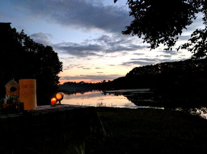 夕方のキャンプ