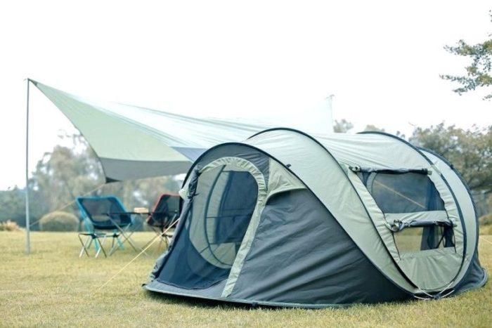 ポップアップテントでキャンプ